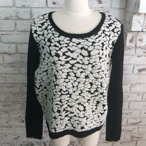 Trouve Crew Neck Textured Black and White Sweater
